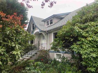 """Photo 2: 2279 W 49TH Avenue in Vancouver: Kerrisdale House for sale in """"Kerrisdale"""" (Vancouver West)  : MLS®# R2575512"""