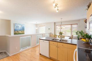 Photo 2: 1423 HERMITAGE Road in Edmonton: Zone 35 Townhouse for sale : MLS®# E4246308