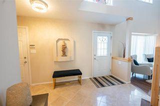 Photo 3: 22 Breckenridge Close in Winnipeg: Whyte Ridge Residential for sale (1P)  : MLS®# 202102748