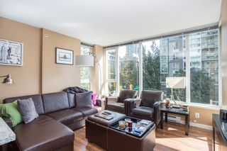 """Photo 2: 304 1001 RICHARDS Street in Vancouver: Downtown VW Condo for sale in """"MIRO"""" (Vancouver West)  : MLS®# R2326363"""
