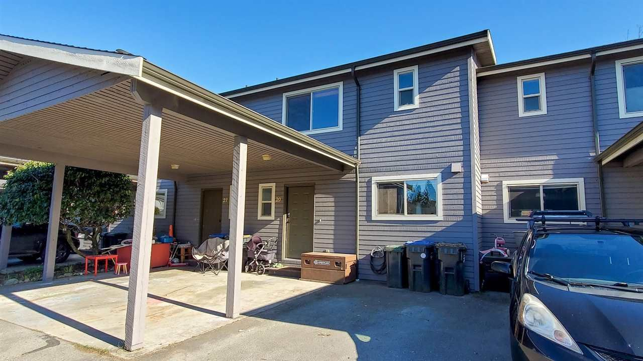 """Main Photo: 20 41450 GOVERNMENT Road in Squamish: Brackendale Townhouse for sale in """"Eagleview"""" : MLS®# R2565651"""