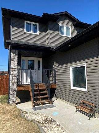 Photo 3: 433 Quessy Drive in Martensville: Residential for sale : MLS®# SK851132