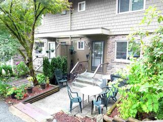 "Photo 2: 327B EVERGREEN Drive in Port Moody: College Park PM Townhouse for sale in ""EVERGREEN"" : MLS®# R2307016"
