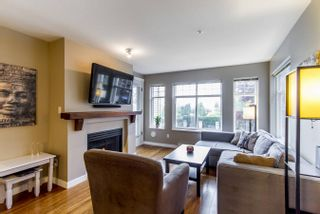 Photo 2: 213 1420 Parkway Boulevard in Coquitlam: Westwood Plateau Condo for sale : MLS®# R2262753