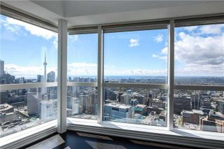 Photo 8: 386 Yonge St Unit #5711 in Toronto: Bay Street Corridor Condo for sale (Toronto C01)  : MLS®# C3611063