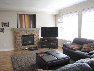 """Photo 2: 23760 111A Avenue in Maple Ridge: Cottonwood MR House for sale in """"FALCON HILL"""" : MLS®# V1121114"""