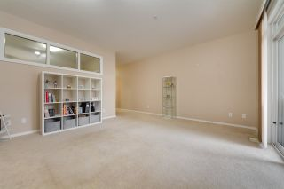 Photo 10: 222 10407 122 Street in Edmonton: Zone 07 Condo for sale : MLS®# E4236835