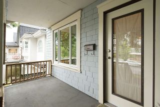 Photo 2: 632 E 20TH Avenue in Vancouver: Fraser VE House for sale (Vancouver East)  : MLS®# R2082283