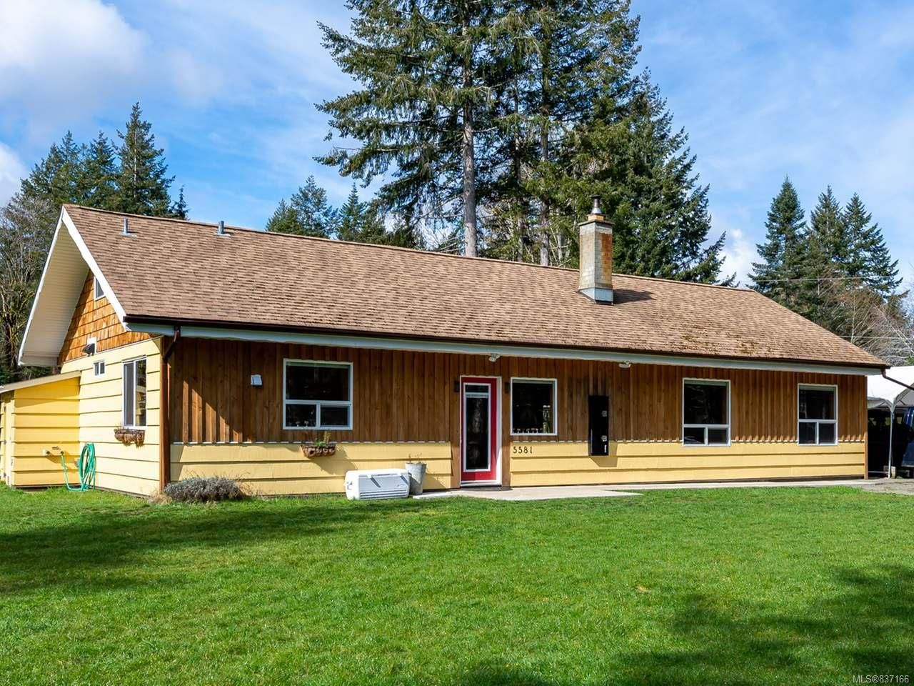 Main Photo: 5581 Seacliff Rd in COURTENAY: CV Courtenay North House for sale (Comox Valley)  : MLS®# 837166