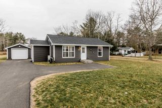 Photo 3: 1030 Central Avenue in Greenwood: 404-Kings County Residential for sale (Annapolis Valley)  : MLS®# 202108921