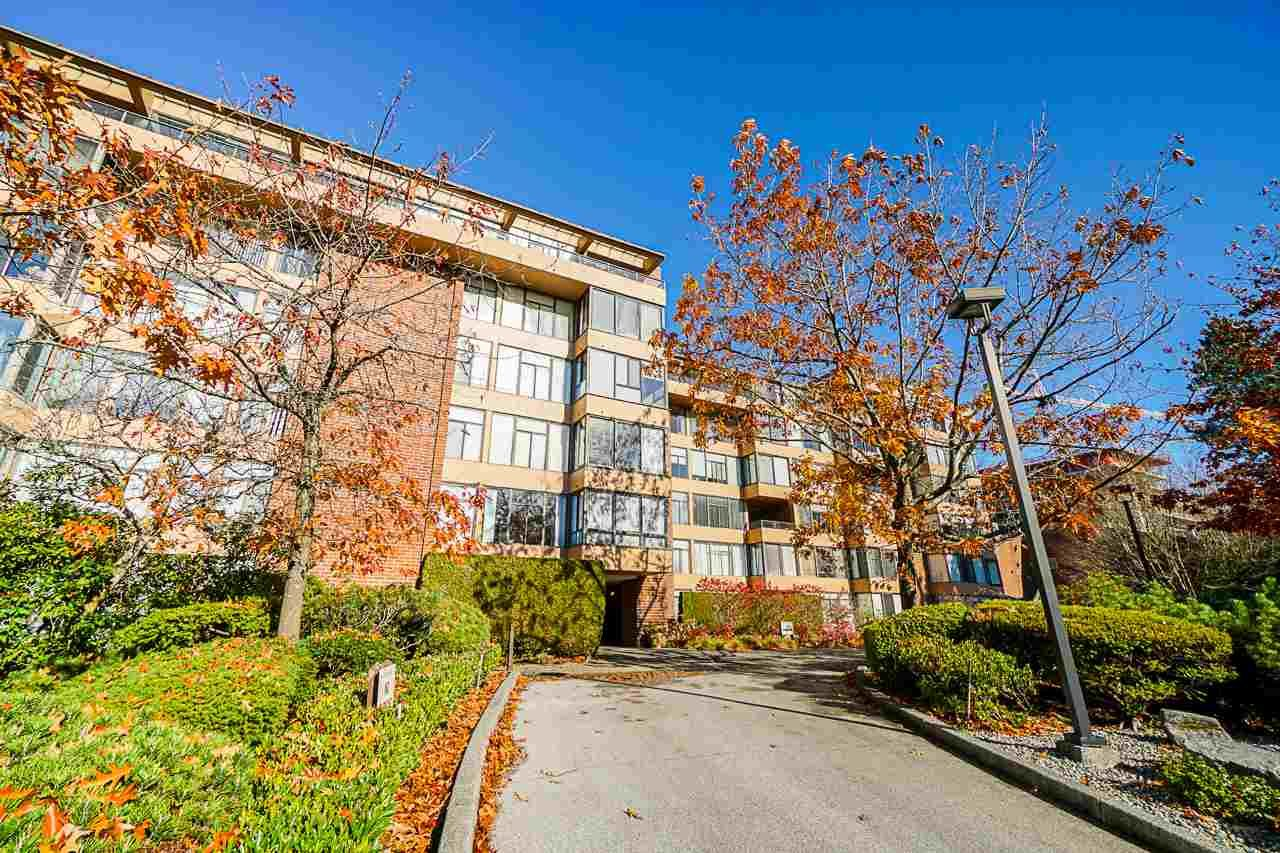"""Main Photo: 608 2101 MCMULLEN Avenue in Vancouver: Quilchena Condo for sale in """"ARBUTUS VILLAGE"""" (Vancouver West)  : MLS®# R2417152"""