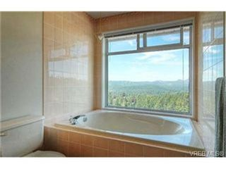 Photo 7: 3452 Sunheights Dr in VICTORIA: Co Triangle House for sale (Colwood)  : MLS®# 445588
