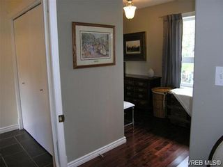 Photo 9: 2586 Wentwich Rd in VICTORIA: La Mill Hill House for sale (Langford)  : MLS®# 703032