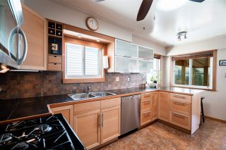 Photo 8: 98 ELLESMERE AVENUE in Burnaby: Capitol Hill BN House for sale (Burnaby North)  : MLS®# R2389364