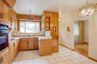 Photo 13: 2728 LIONEL Crescent SW in Calgary: Lakeview Detached for sale : MLS®# C4303178