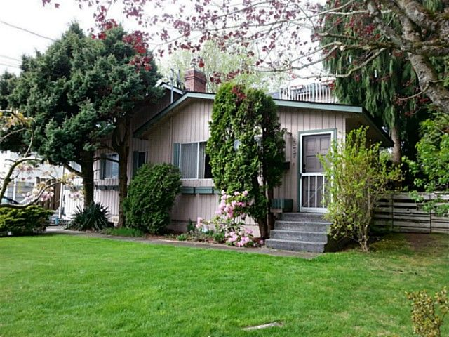 Photo 2: Photos: 1377 PARKER Street: White Rock House for sale (South Surrey White Rock)  : MLS®# F1409548