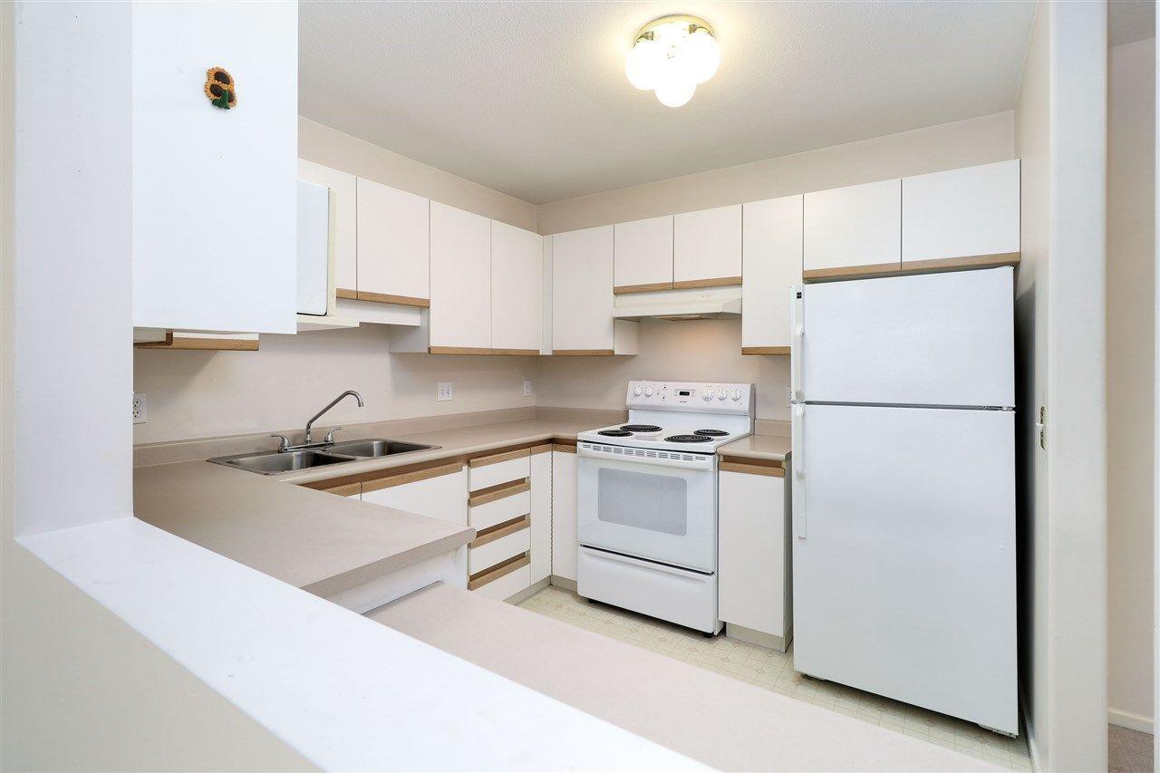 "Photo 5: Photos: 320 27358 32 Avenue in Langley: Aldergrove Langley Condo for sale in ""WillowCreek"" : MLS®# R2250735"