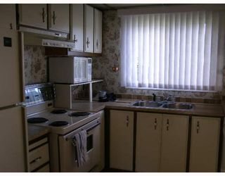 """Photo 2: 7 4116 BROWNING Road in Sechelt: Sechelt District Manufactured Home for sale in """"ROCKLAND WYND"""" (Sunshine Coast)  : MLS®# V759648"""