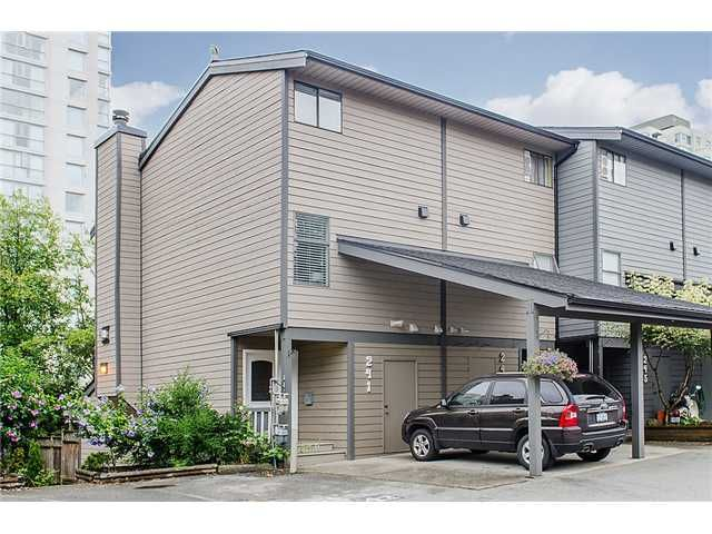 Main Photo: 241 BALMORAL Place in Port Moody: North Shore Pt Moody Townhouse for sale : MLS®# V1021007