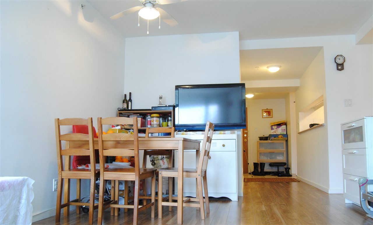 """Photo 5: Photos: 301 14820 104TH Avenue in Surrey: Guildford Condo for sale in """"CAMELOT"""" (North Surrey)  : MLS®# R2128065"""