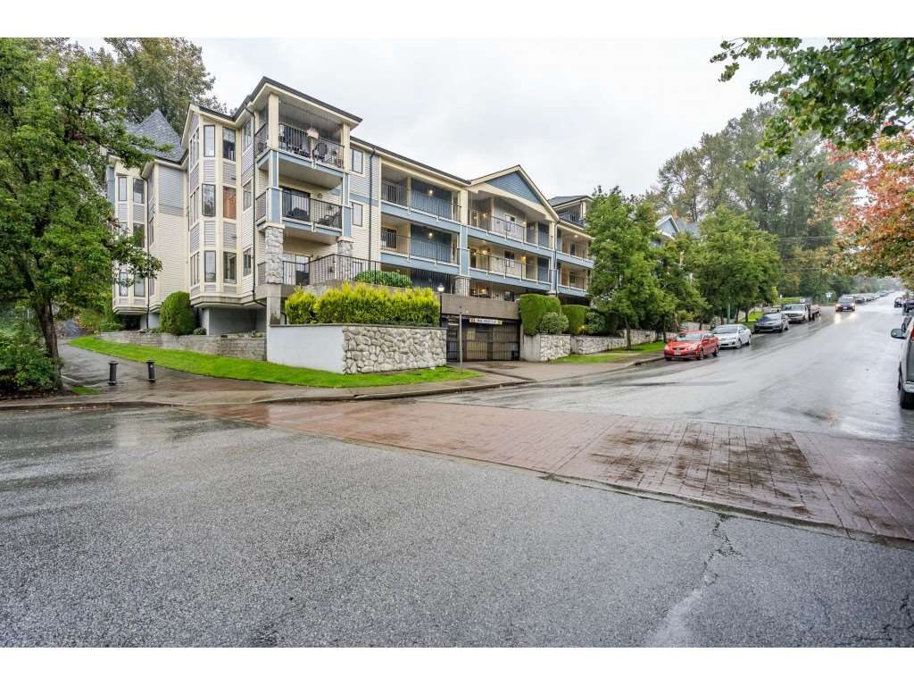 """Main Photo: 105 102 BEGIN Street in Coquitlam: Maillardville Condo for sale in """"CHATEAU D'OR"""" : MLS®# R2508106"""