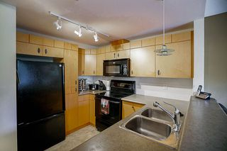 """Photo 7: 61 7488 SOUTHWYNDE Avenue in Burnaby: South Slope Townhouse for sale in """"LEDGESTONE 1"""" (Burnaby South)  : MLS®# R2121143"""
