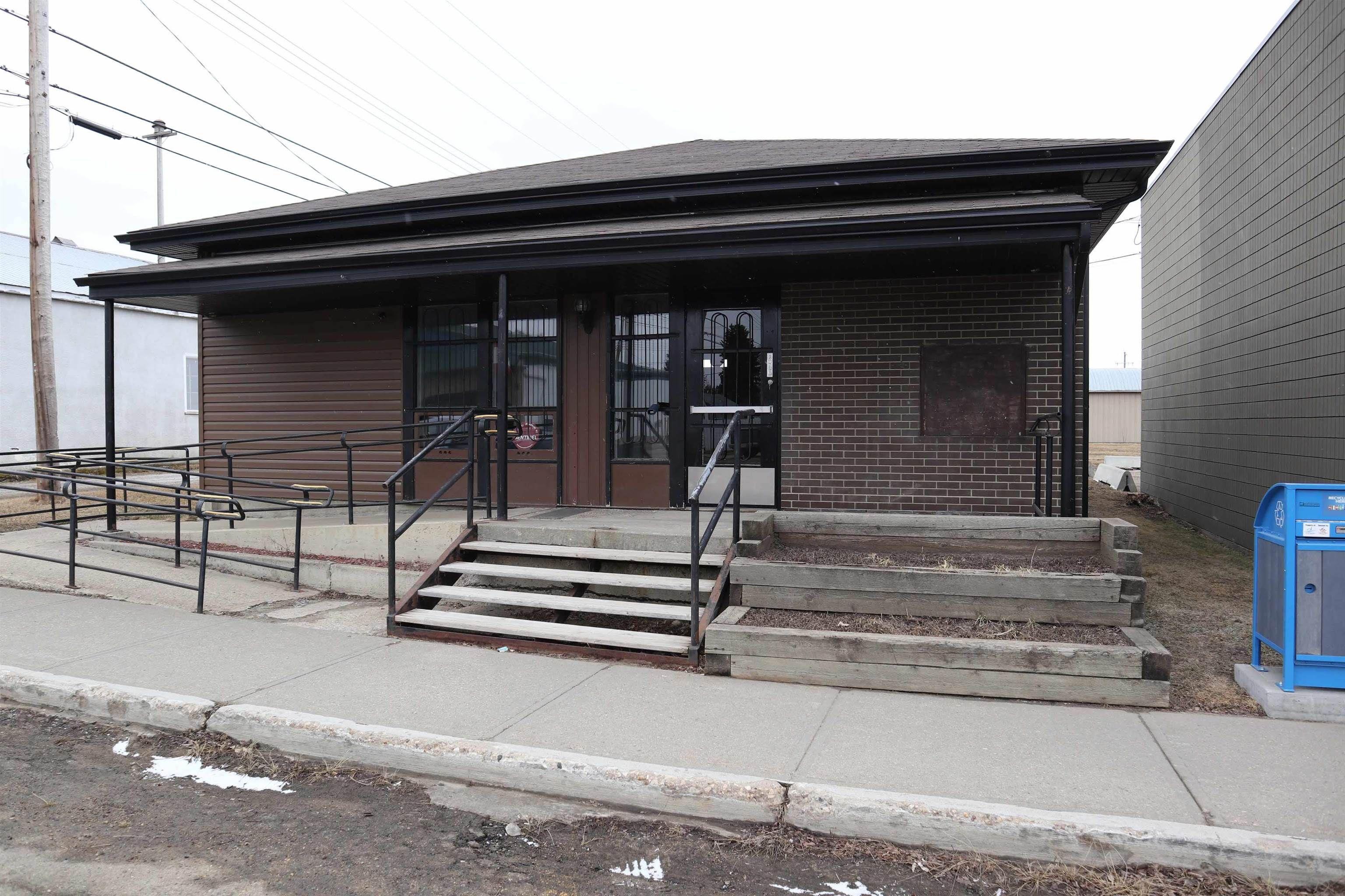 Main Photo: 4924 Hankin Street: Thorsby Retail for sale : MLS®# E4266234