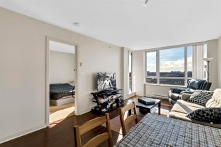 """Photo 8: 1504 3333 CORVETTE Way in Richmond: West Cambie Condo for sale in """"Wall Centre at the Marina"""" : MLS®# R2535983"""
