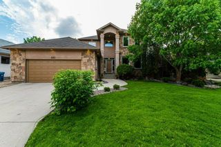 Photo 1: 263 Southbridge Drive in Winnipeg: Southdale Residential for sale (2H)  : MLS®# 202012657