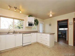 Photo 7: 820 Elrick Pl in VICTORIA: Es Rockheights House for sale (Esquimalt)  : MLS®# 688283