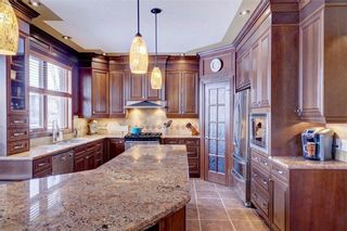 Photo 10: 115 WESTRIDGE Crescent SW in Calgary: West Springs Detached for sale : MLS®# C4226155