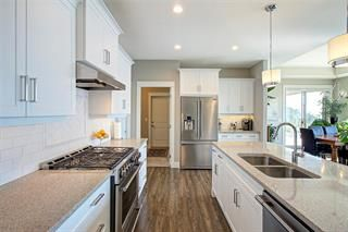 Photo 5: 209 5165 Trepanier Bench Road: Peachland House for sale : MLS®# 10213026
