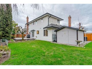"""Photo 17: 18677 61A Avenue in Surrey: Cloverdale BC House for sale in """"EAGLECREST"""" (Cloverdale)  : MLS®# R2426392"""