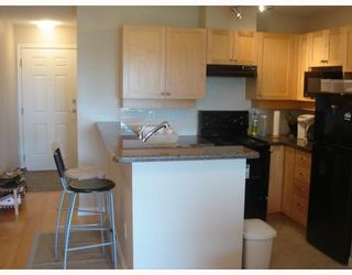 """Photo 7: 405 997 W 22ND Avenue in Vancouver: Cambie Condo for sale in """"THE CRESCENT IN SHAUGHNESSY"""" (Vancouver West)  : MLS®# V755398"""
