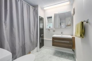 """Photo 12: 326 1840 160 Street in Surrey: King George Corridor Manufactured Home for sale in """"BREAKAWAY BAYS"""" (South Surrey White Rock)  : MLS®# R2489380"""