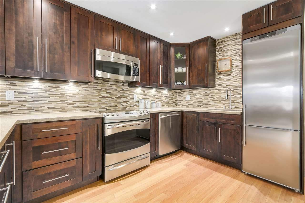 Main Photo: 213 5723 BALSAM Street in Vancouver: Kerrisdale Condo for sale (Vancouver West)  : MLS®# R2561757