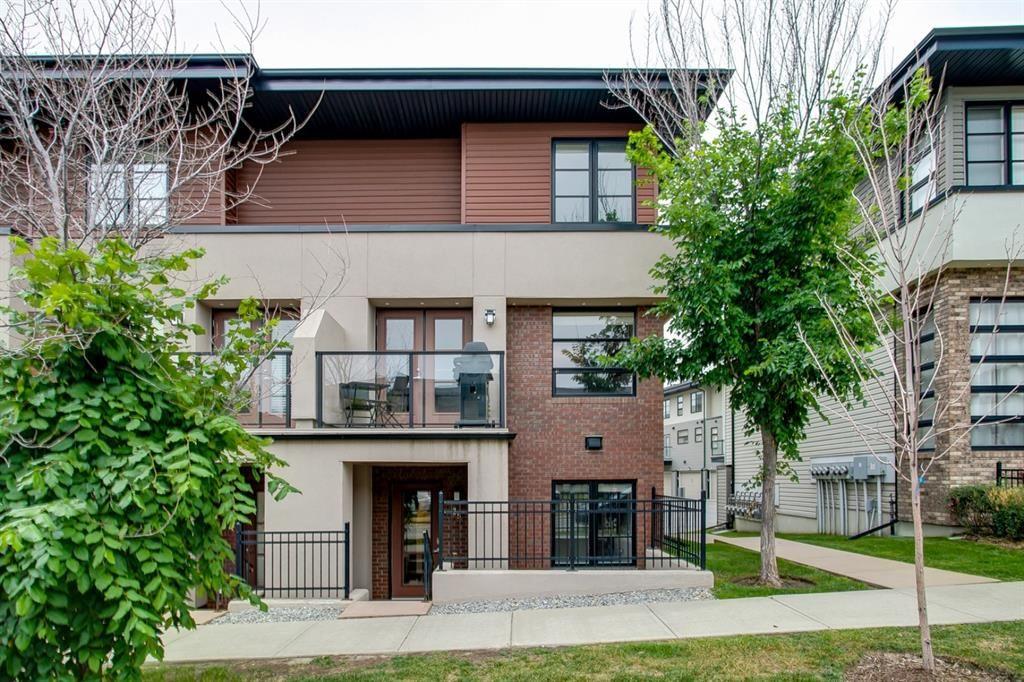 Main Photo: 35 ASPEN HILLS Green SW in Calgary: Aspen Woods Row/Townhouse for sale : MLS®# A1033284
