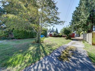 Photo 3: 4673 WHITAKER Road in Sechelt: Sechelt District Manufactured Home for sale (Sunshine Coast)  : MLS®# R2617779