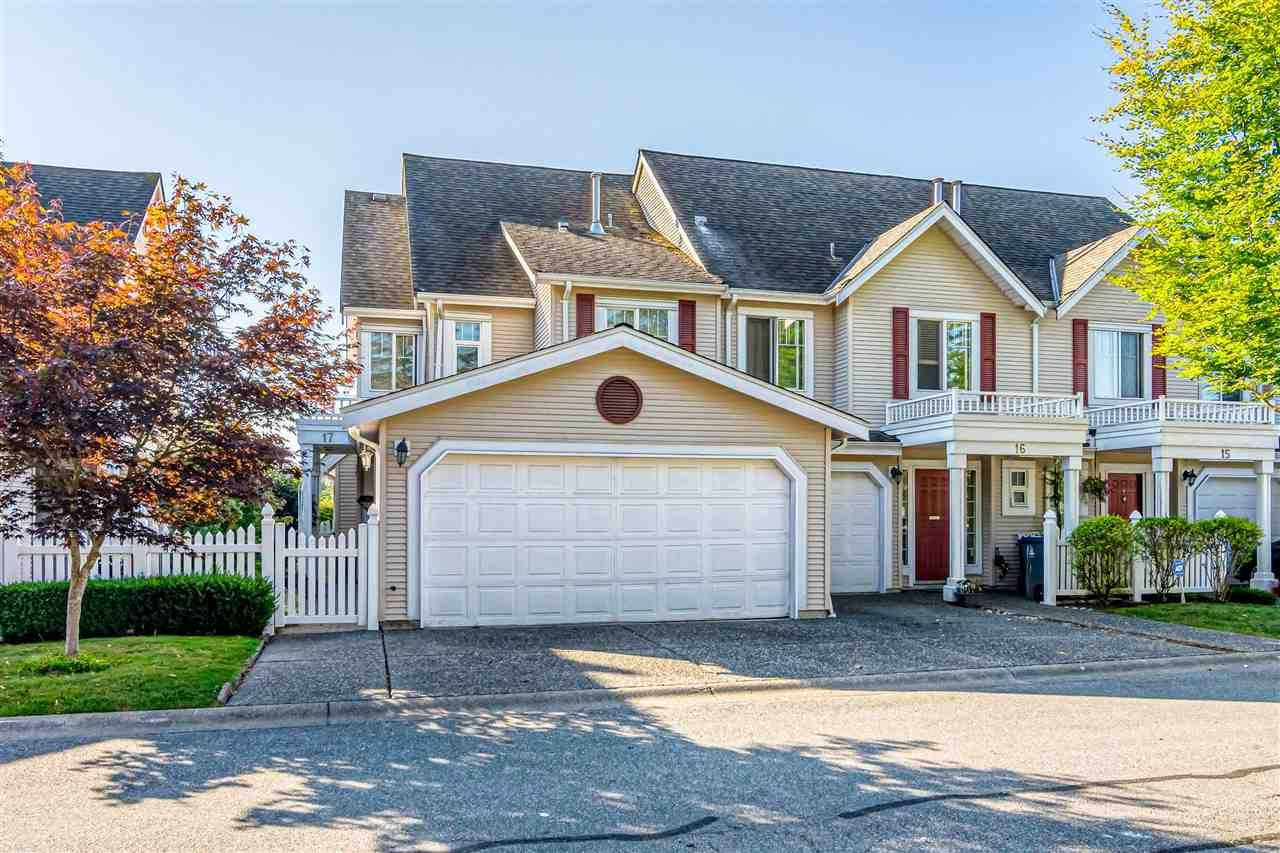 """Photo 1: Photos: 17 13499 92 Avenue in Surrey: Queen Mary Park Surrey Townhouse for sale in """"CHATHAM LANE"""" : MLS®# R2403467"""