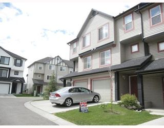 Photo 1: 231 COPPERFIELD Lane SE in CALGARY: Copperfield Townhouse for sale (Calgary)  : MLS®# C3385250
