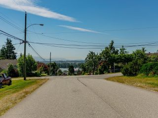 Photo 4: 7522 DUNSMUIR Street in Mission: Mission BC House for sale : MLS®# R2597062