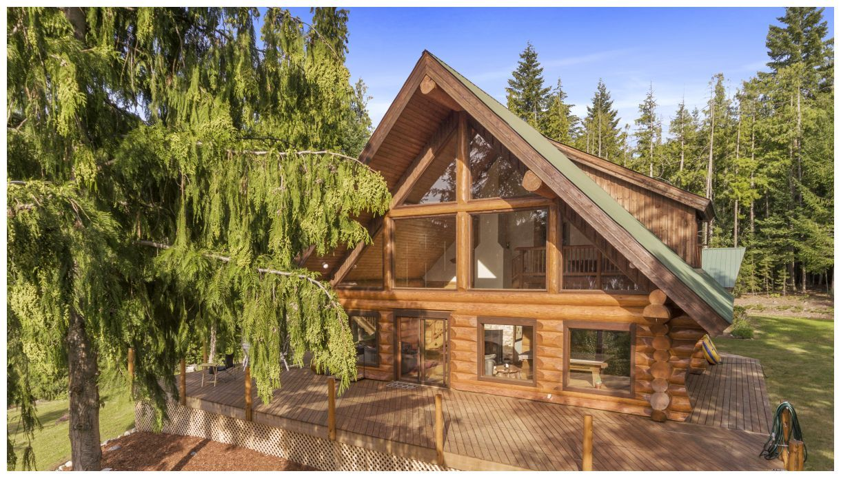 Main Photo: 5150 Eagle Bay Road in Eagle Bay: House for sale : MLS®# 10164548