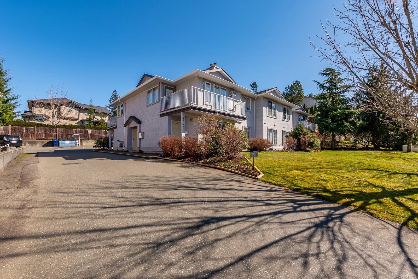 Main Photo: 203 4700 Alderwood Pl in : CV Courtenay East Condo for sale (Comox Valley)  : MLS®# 876282