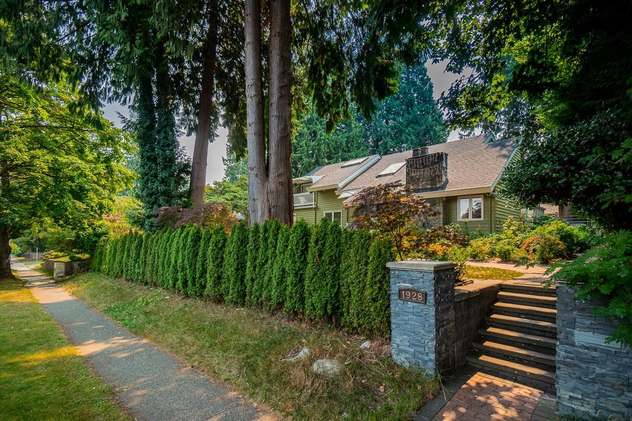 Main Photo: 1928 W 37TH Avenue in Vancouver: Shaughnessy House for sale (Vancouver West)  : MLS®# R2611901