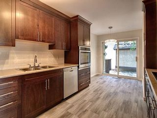 Photo 6: 4321 Riverbend Road in Edmonton: Zone 14 Townhouse for sale : MLS®# E4248105