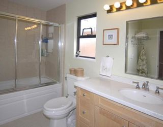 """Photo 9: 1 1266 W 6TH Avenue in Vancouver: Fairview VW Townhouse for sale in """"CAMDEN COURT"""" (Vancouver West)  : MLS®# V704560"""