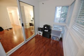 """Photo 7: 206 2133 DUNDAS Street in Vancouver: Hastings Condo for sale in """"Harbourgate"""" (Vancouver East)  : MLS®# R2395295"""