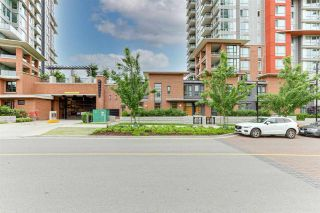 """Photo 3: 104 3096 WINDSOR Gate in Coquitlam: New Horizons Townhouse for sale in """"MANTYLA"""" : MLS®# R2589621"""