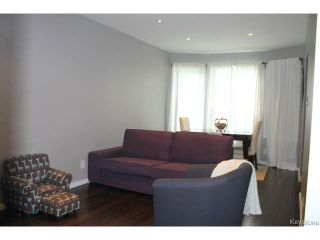 Photo 2: 215 Berry Street in WINNIPEG: St James Residential for sale (West Winnipeg)  : MLS®# 1417110