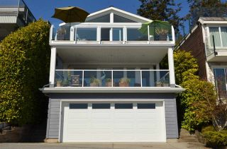 """Photo 2: 15478 COLUMBIA Avenue: White Rock House for sale in """"Hillside"""" (South Surrey White Rock)  : MLS®# R2572155"""